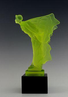Art Decó Vaseline Glass Statue (1930) Bohemia