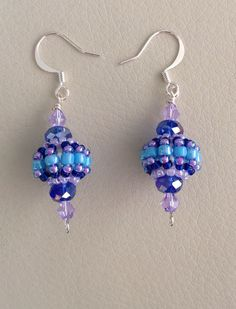 Beaded bead earrings look great in any color combination.