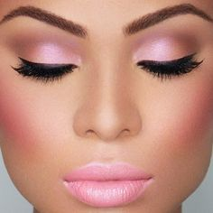 Natural Makeup Look | Glamorous and natural makeup looks. Perfect eye makeup for Valentines Day i'd skip the frosty pink lipstick. Go natural with a gloss.