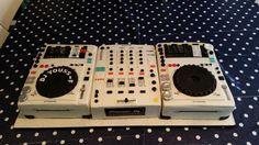 mixing console 3D cake/ DJ console cake - Cake by DeOuweTaart