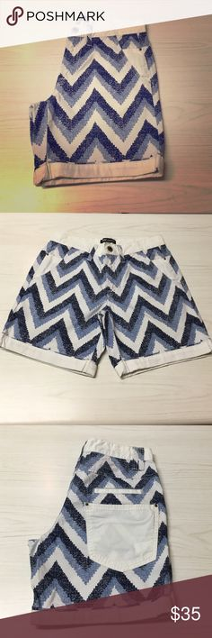 Fashion Star for Express Chevron Chino Short Limited Edition Chevron Short created in collaboration with the NBC Series Fashion Star. Chevron Print with a white contrast sewn cuff and additional back pocket in white. 100% Cotton. Express Shorts Flat Front