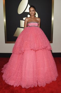 Rihanna in Giambattista Valli at the Grammy Awards. (Photo: Larry Busacca/Getty Images For Naras)