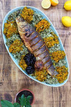 Sabzi Polo Maahi - Fried Fish with Herb Rice - I got it from my Maman Iranian Cuisine, Iranian Food, Gourmet Recipes, Beef Recipes, Rice Recipes, Dinner Recipes, Turkish Recipes, Persian Recipes, Deserts