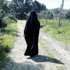 ☺LÜTFEN RESİMLERİMİZİ ALMAYINIZ 🌼 Bu fotoğrafın altına yorum yaparak sayfamıza destek olabilirsiniz kardeşlerim Sultanbaşı ; bütün ya da… Hijab Collection, Hijab Cartoon, Islamic Paintings, Beautiful Muslim Women, Muslim Hijab, Muslim Girls, Mode Hijab, Niqab, Hijab Outfit