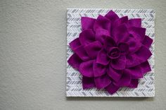 On One Hand: Felt Flower Wall Art Tutorial. I bought Mila a pillow on Etsy with this dahlia definitely gonna do the wall art myself! Felt Flowers, Fabric Flowers, Paper Flowers, Felt Crafts, Diy And Crafts, Arts And Crafts, Felt Flower Tutorial, Flower Curtain, Fabric Wall Art