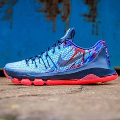 The Nike KD 8 makes its debut this weekend with this USA colorway. Will you be picking up a pair?