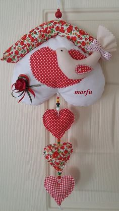 Xmas Crafts, Valentine Crafts, Christmas Projects, Felt Crafts, Diy And Crafts, Felt Christmas, Christmas Time, Christmas Ornaments, Fabric Hearts