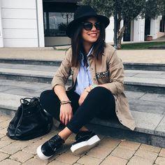 outfit-look-looks-fashion-blogger-veronica-giuffrida-italia-giacca-jeans-brunette-cappello-parka-  Instagram/Snapchat: @Veronikagi