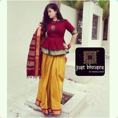 We have come up with 30 new Pattu saree blouse designs that will revamp your look. These Pattu saree blouse designs have a perfect fit and are Stylish Blouse Design, Fancy Blouse Designs, Blouse Neck Designs, Designs For Dresses, Sleeve Designs, Saree Wearing Styles, Saree Styles, Sari Bluse, Indische Sarees
