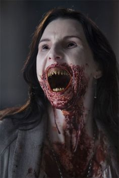 Scary Women of Horror 30 Days Of Night, Real Vampires, Vampires And Werewolves, Vampiro Real, Jeaniene Frost, Cyberpunk, Short Horror Stories, Vampire Teeth, Scary Vampire