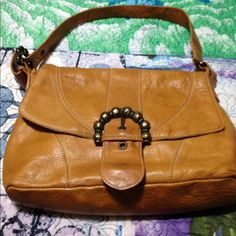 Tan leather H &M Handbag This is a very soft patented leather tan handbag preowned in great condition size medium beautiful H&M Bags Shoulder Bags