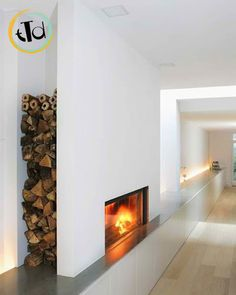 """la legna può essere riposta lateralmente, nel caso in cui il nostro camino abbia lo spazio per """"avanzare"""" nella stanza"""