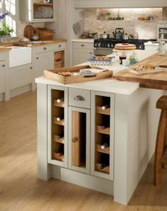 Clever Kitchen Storage from Howdens Buy Kitchen, Kitchen Dining, Kitchen Decor, Kitchen Island, Kitchen Ideas, Kitchen Peninsula, Copper Kitchen, Kitchen Stuff, Clever Kitchen Storage
