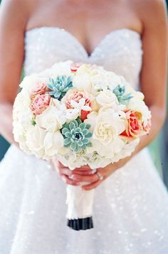 Tiffany blue and coral bouquet for the bride.