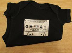 NKOTB inspiré noir Creeper ou bambin Tee maintenant disponible en tailles adultes, neuf enfants sur le bloc de chemise, 80 ' s bande T-shirts