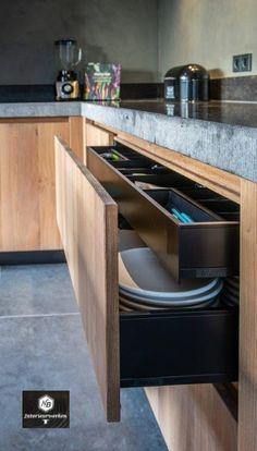 Kitchen On A Budget, Diy Kitchen, Kitchen Interior, Kitchen Decor, Kitchen Cabinets And Countertops, Modern Kitchen Cabinets, Luxury Kitchens, Cool Kitchens, Kitchen Island Makeover