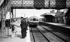 The station hasn't changed much. Dublin Ireland, Ireland Travel, Old Pictures, Old Photos, The Places Youll Go, Places To Visit, Ireland Homes, Old Trains, British Rail