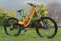 Devinci Wilson Restyle 2015 - KOCISS's Bike Check - Vital MTB Downhill Bike, Mtb Bike, Cycling Bikes, Bmx, Bicycle Paint Job, All Mountain Bike, Bike Brands, Bike Style, Bike Frame