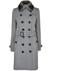 Burberry London Sandringham Fur Collar Trench Coat (8 180 SEK) ❤ liked on Polyvore featuring outerwear, coats, pale grey mel, double-breasted trench coats, light grey coat, burberry trenchcoat, double-breasted coat and burberry coat