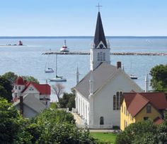 Mackinac Island is at the top of my list for places to visit. It's beautiful and seems so Anne of Green Gables/WDW to me.
