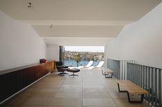 Casa unifamiliar contemporánea y minimalista, por MCK Architects