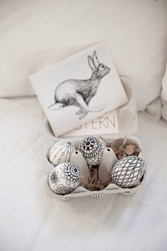 Ostereiwichteln, danke Liebe Laura (Lare) von Houseno44 #Osterdeko #Easter #DIY #Ostereierbemalen #eggs #happyeaster #holiday