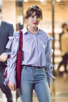 (n) a look shared by two people, each wishing that the other would i… # Fiksi remaja # amreading # books # wattpad Fashion Idol, Kpop Fashion, Daily Fashion, Korean Fashion, Kpop Outfits, Girl Outfits, Jeon Somi, Korean Couple, My Life Style