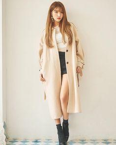 K-Pop Babe Pics – Photos of every single female singer in Korean Pop Music (K-Pop) Kpop Girl Groups, Korean Girl Groups, Kpop Girls, Bubblegum Pop, Kpop Fashion, Womens Fashion, Asian Fashion, Gfriend Sowon, G Friend