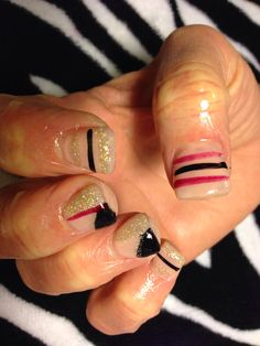 black and gold nails #prettykittynails