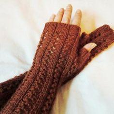 Lange pulsvarmere med hullmønster, strikket i Regia Silk. Fingerless Gloves, Arm Warmers, Threading, Fingerless Mitts, Fingerless Mittens