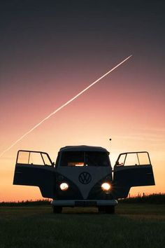 VW ☮ re-pinned by @wfpblogs see more  #VWBus on https://www.pinterest.com/wfpblogs/vw-bus/