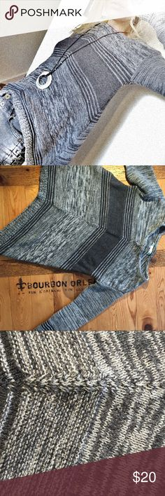 Grey flow-y knit XS Multi-gray, size XS -- please see measurements in images Maurices Sweaters Crew & Scoop Necks