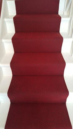 Stylish stair carpet ideas and inspiration. So you can choose the best carpet for stairs.Quality rug for stairs, stairway carpets type, etc. Best Carpet For Stairs, Stairway Carpet, Hallway Carpet Runners, Cheap Carpet Runners, Stair Runners, Diy Carpet, Modern Carpet, Wall Carpet, Carpet Ideas