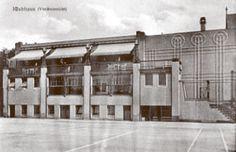 Klubhaus (Vorderansicht)