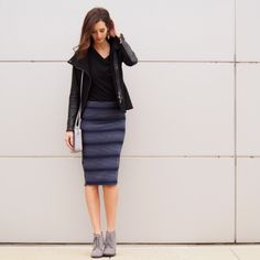 Nothing says like a pencil skirt and booties Work Fashion, Fashion Ideas, Rent Clothes, Le Tote, Office Chic, Fashion Editor, Work Attire, Business Casual, Stitch Fix