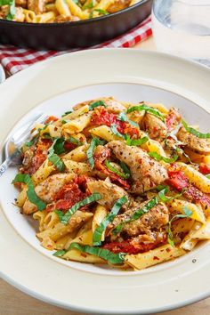 Creamy Chicken and Sundried Tomato Pasta Recipe : A quick and easy chicken pasta dish with a creamy sundries tomato sauce! Chicken Pasta Dishes, Creamy Chicken Pasta, Chicken Recipes, Canned Chicken, Tomato Pasta Recipe, Sundried Tomato Pasta, Tomato Sauce, The Fresh, Italian Recipes