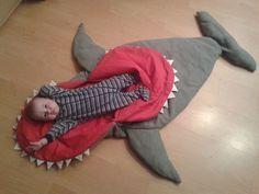 Zottellotte: Haifisch-Schlafsack inkl. Tutorial/making-off