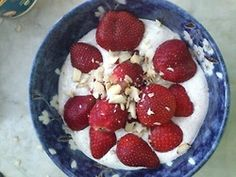 Healthy breakfast: 6tablespoons of cottage, 3tablespoons of flaxseed oil, 2tablespoons of flaxseed, a bit of water and mix in food processor. top with fresh strawberries, 2nuts and honey.