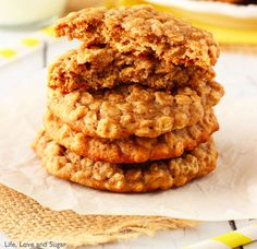 Moist & Chewy Banana Oatmeal Cookies. (Don't forget to share!) #recipes