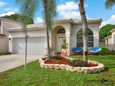 For Sale $235,000 in Greenacres, Florida. Listed by Copeland & Co. Real Estate