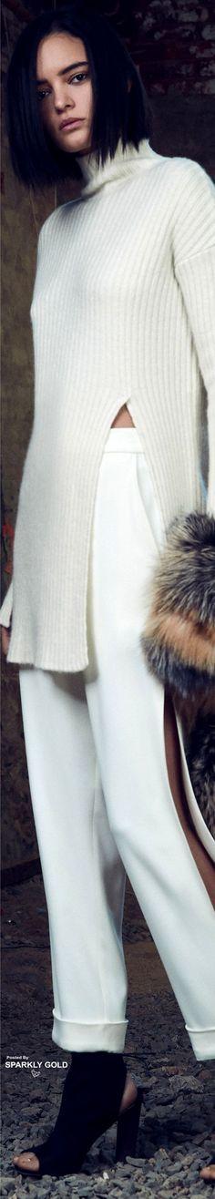 Sally LaPointe Pre-Fall 2017 Knitwear Fashion, Cozy Fashion, Knit Fashion, Minimal Fashion, Fashion 2017, Winter Fashion, Fashion Trends, White Chic, Knitting Designs