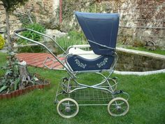 Moje sbírka Vintage Pram, Baby Prams, Outdoor Chairs, Outdoor Decor, Baby Carriage, Baby Strollers, Childhood, Blue And White, Children
