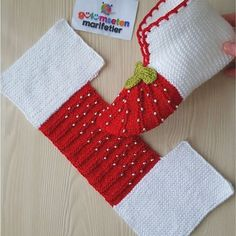 Easy Knit Christmas Slippers Free Knitting Pattern – Les caprices d'Arthénice Easy Knit Christmas Slippers Free Knitting Pattern Easy Knit Christmas Slippers Free Knitting PatternSuper Easy Slippers to Crochet or to KnitImage gallery – Page 4008204 Baby Knitting Patterns, Crochet Slipper Pattern, Crochet Shoes, Knitting Designs, Crochet Patterns, Crochet Ripple, Crochet Baby, Knitting Socks, Free Knitting