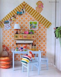 this is so clever - wall decor used to create play house illusion- for future playroom Deco Kids, Home Wallpaper, Orange Wallpaper, Wallpaper Ideas, Wallpaper Designs, Retro Wallpaper, Wallpaper Decor, Wallpaper Pictures, Fabric Wallpaper