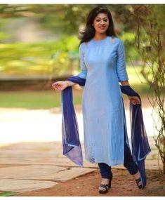 Salwar Designs, Kurti Designs Party Wear, Dress Neck Designs, Blouse Designs, Salwar Dress, Anarkali, Chudidhar Designs, Simple Kurta Designs, Kurta Neck Design