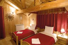 A stunning, luxury ski chalet with a specially designed menu and wine selection, delivered by a Flying Kiwi Inns chef and host.    http://www.neilson.co.uk/ski/chalets