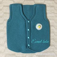 This post was discovered by Св Boy Or Girl, Baby Boy, Moda Emo, Baby Vest, Baby Sweaters, Baby Knitting Patterns, Vest Jacket, Kids Fashion, How To Wear