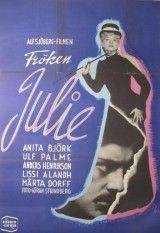 CINE(EDU)-35.La señorita Julie / un film de Alf Sjöberg. Suecia, 1951. Drama. A nova condesa Julie tivo unha infancia inestable, atrapada entre un pai débil, aristócrata dexenerado, e unha nai medio tola, de orixe humilde. Na festa da noite de San Juan, Julie, que recentemente rompeu o seu compromiso de matrimonio, entrégase a Jean, o seu criado, cara ao que se sente irremisiblemente atraída. http://kmelot.biblioteca.udc.es/record=b1412581~S1*gag…