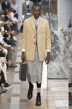d8ad8f119c8 The complete Thom Browne Spring 2018 Menswear fashion show now on Vogue  Runway. Man Skirt