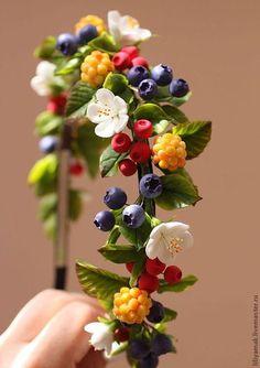 Купить или заказать Ободок 'Лесная ягодка' в интернет-магазине на Ярмарке Мастеров. Ободок с ягодками, сделан по мотивам полюбившейся ягодной заколочки))) полностью ручная работа ----- сделан на заказ, без…